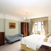 Main House Bedroom - Highgate House, A Sundial Venue
