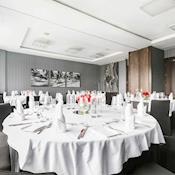 Solomon Suite set for dinner - Brooklands Hotel
